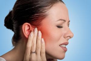 causas de los acufenos-pitidos en el oido