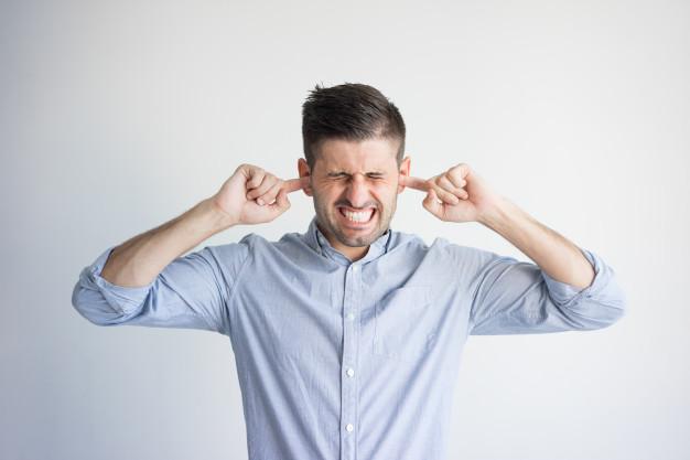 Tinnitus o pitidos en los oídos